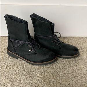Steve Madden Faux Fur-lined boots size 7